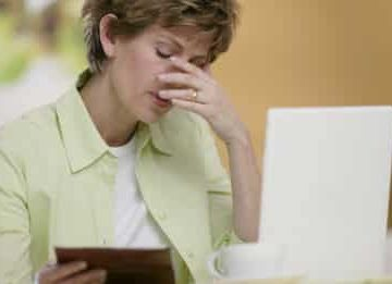 Болезнь щитовидной железы как причина выпадения волос у женщин