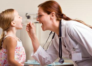 Правильное лечение горла у детей в домашних условиях