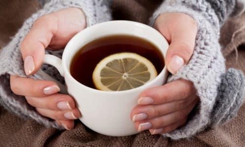 Чай при панкреатите не запрещен, но следует соблюдать осторожность при его употреблении