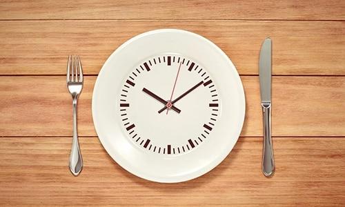 Голодание при панкреатите является самым действенным способом. Даже медикаментозное вмешательство не оказывает такого сильного эффекта