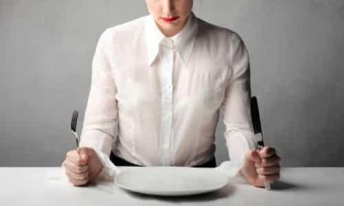 На протяжении первых суток после приступа панкреатита рекомендуется дать органу отдых и не принимать никакой пищи