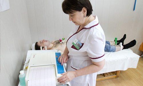 Для диагностики патологии используют инструментальные методы. К примеру, реовазографию