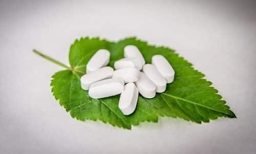 В процессе лечения принято использовать уроантисептики, которые оказывают влияние не только на цвет, но и на запах мочи
