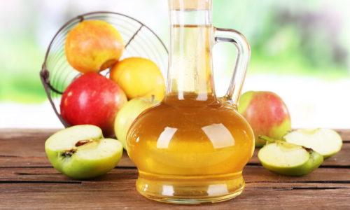 Уникальный химический состав, множество полезных свойств, низкая стоимость и повсеместная доступность сделали яблочный уксус одним из наиболее популярных средств для домашней борьбы с варикозом